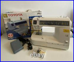 Boxed Toyota JS021 Jeans Sewing Machine With Foot Pedal Control Nice Condition