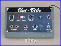 Shin-Ei Uni-Vibe Vintage Pedal Signed By Cesar Diaz no Foot Controller